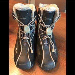 Women's Size 8.5 Gore-Tex Salomon Black Boots